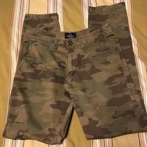 Men's American Eagle camouflage pants